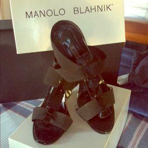 Manolo Blanhink, wedge elastic stretch sandals